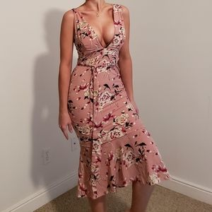 Sexy Plunging Neckline Floral FlatteringMidi Dress